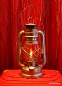 №411.PETROLEJU LAMPA.